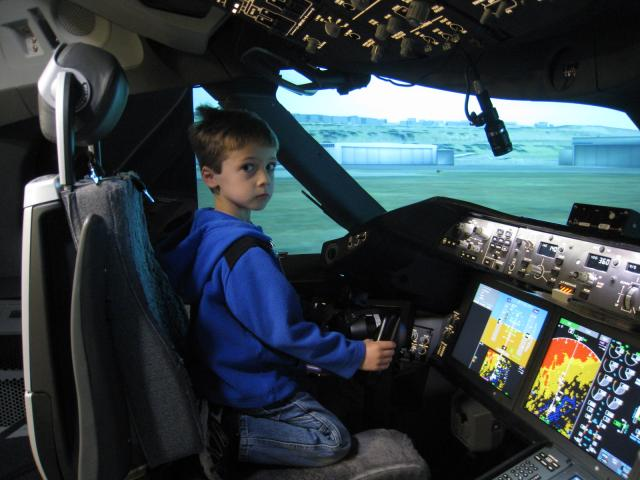 Alex_is_calm_before_takeoff_in_the_787_cab_090625.JPG