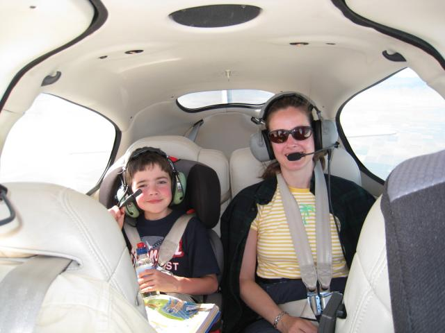 Kay_and_Sean_enjoy_the_ride__over_Northern_California_080630.jpg