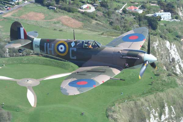 Spitfire_mk_Vc_over_BoB_memorial.jpg
