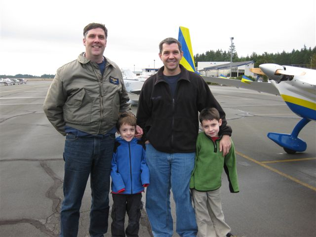 Tom_Alex_Jim_and_Alex_Piavis_fly_to_Bremerton_for_lunch_100103.jpg