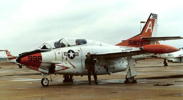 Tom_and_the_T2_at_NAS_Meridian_Nov_9246.jpg