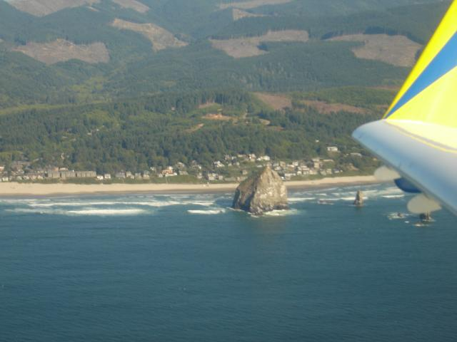 zInvictus_flies_past_Cannon_Beach_060910.JPG