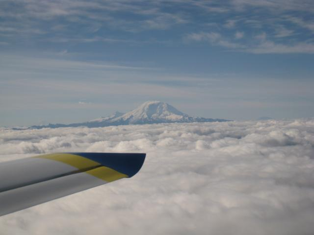 zRainier_over_the_clouds_again_100911.JPG